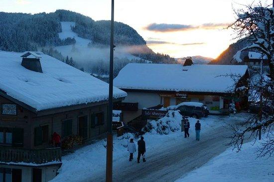 Chalet la Rocade : Sunset over Les Gets