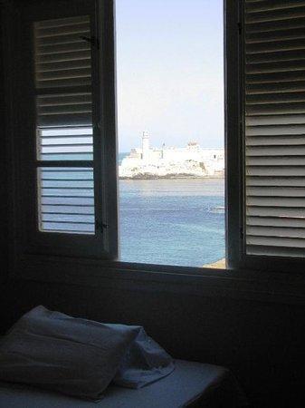 Vik & Mar : ventana de una de las habitaciones