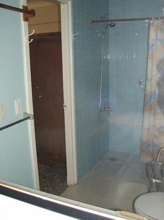 Vik & Mar : baño de una de las habitaciones