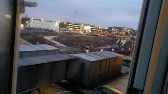 Clayton Hotel Manchester Airport : room without a view