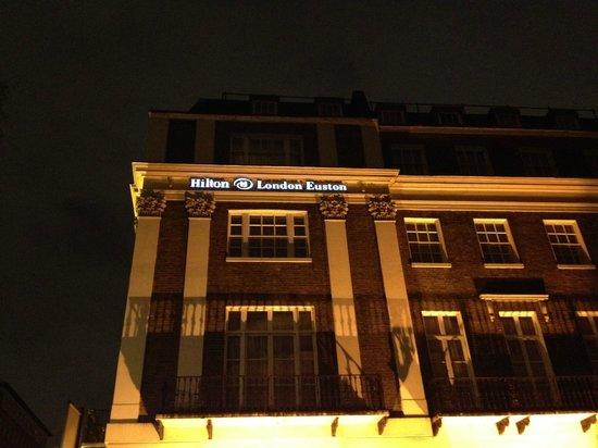 Hilton London Euston: L'esterno dell'albergo