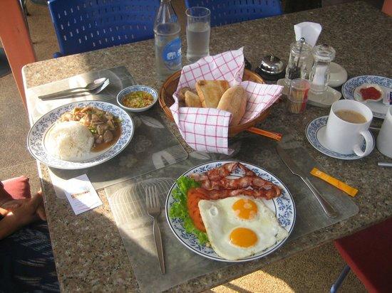 Udon Thai House Thomas Resort & Hotel: Breakfast