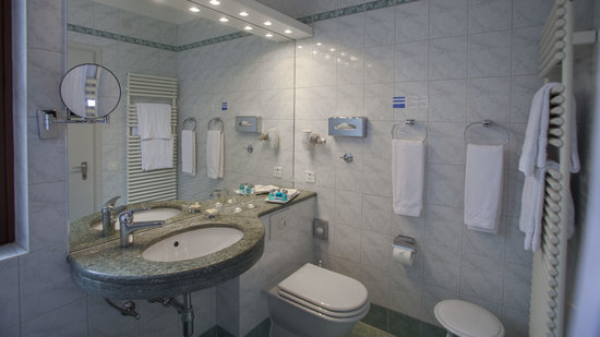 Hotel & Spa Cacciatori : Badezimmer