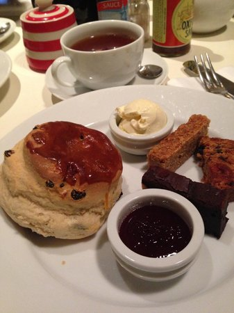 Albion: Afternoon cream tea 1