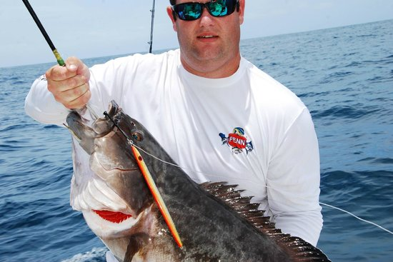 Bottom fishing in cancun vertical jigging cancun for Cancun fishing trips