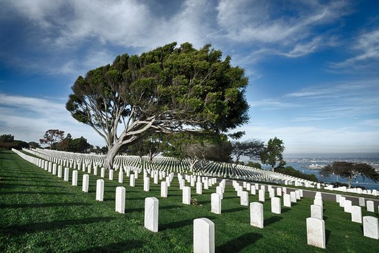 Fort Rosecrans Cemetery : Pastoral Scene as the Sun Sets