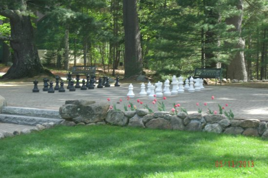 The Stonehurst Manor: grounds in front with chess
