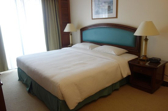 Ambassador Row Hotel Suites by Lanson Place: Bedroom in a 2 bedroom suite