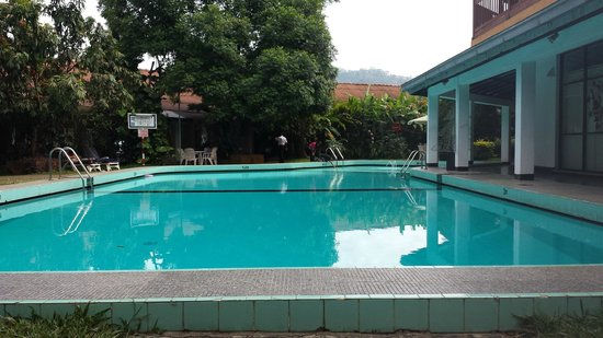 Hotel Hilltop: Hotel Pool