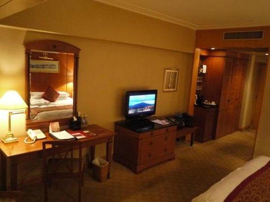 Swish-Hotel Dalian: 日本語TVはNHK国際のみ