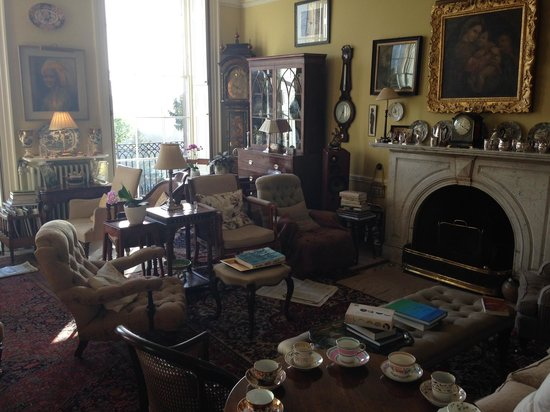 Millgate House: The living room