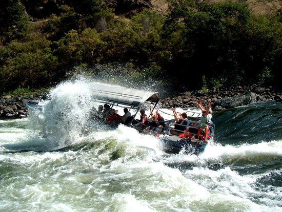 Snake Dancer Excursions : Full Day Tours enjoy up to class V rapids!