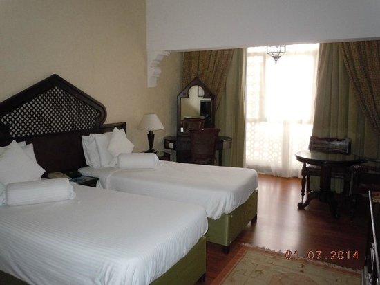 Arabian Courtyard Hotel & Spa: View of room from the door