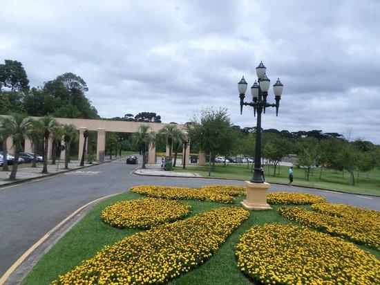 imagens jardim florido:Jardim florido na entrada do parque – Foto de Parque Tanguá, Curitiba