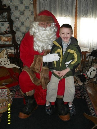 Crocker House: Santa pictures in the nursary
