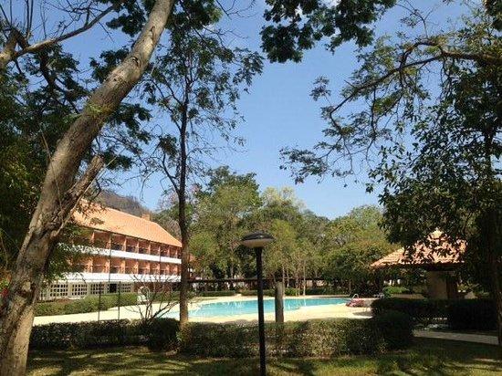 Balios Resort Khaoyai: Swimming Pool