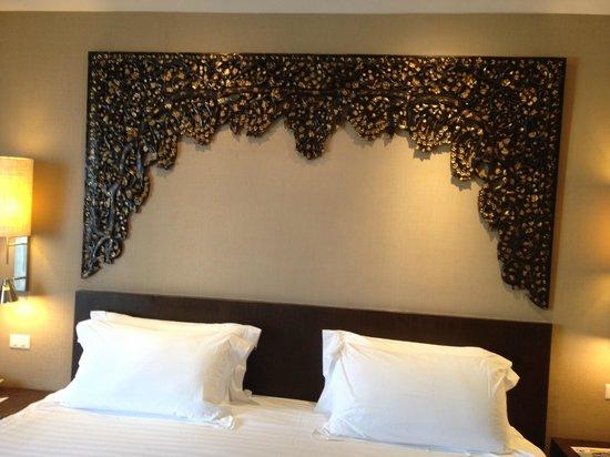 Garden Cliff Resort and Spa: кровать