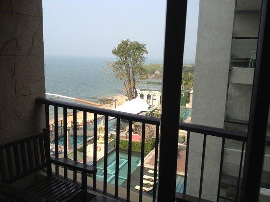 Garden Cliff Resort and Spa: реальный вид с балкона
