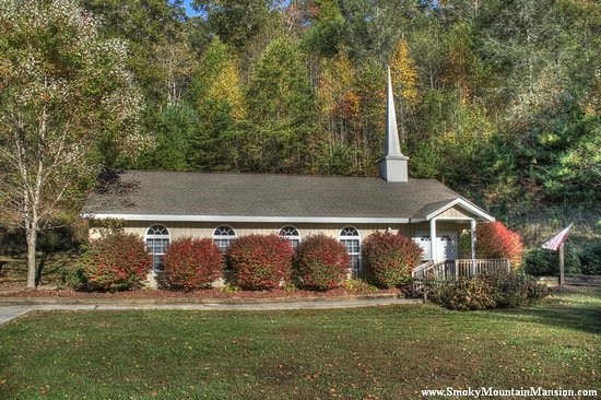 Smoky Mountain Mansion: Chapel in the Fall