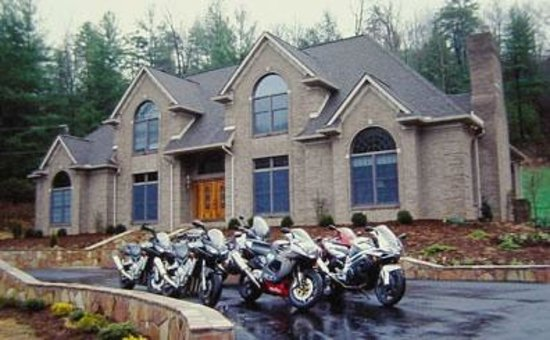 Smoky Mountain Mansion: Group of Motorcycle Riders