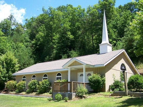 Smoky Mountain Mansion: Chapel in the Spring