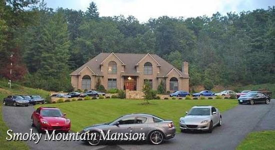 Smoky Mountain Mansion: Car Clubs at the Mansion
