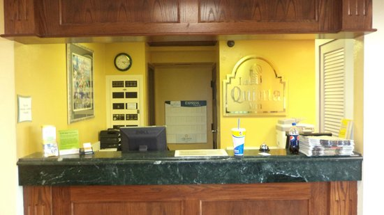 La Quinta Inn Omaha Southwest: Reception