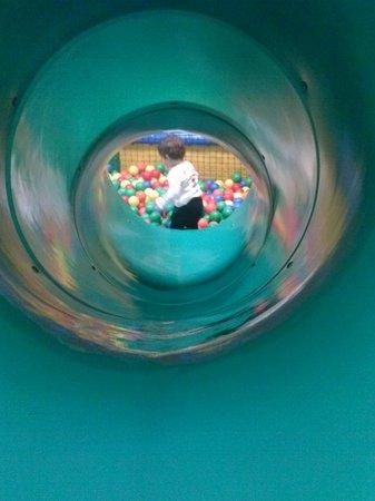 Holiday Inn Andorra : parque infantil