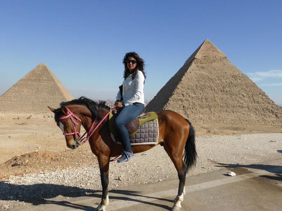 Easy Travel Egypt - Day Tours : Giza Pyramids