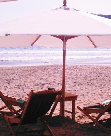 Manzanillo Bay: restaurant de playa en la boquita