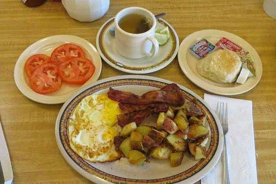 Muffin Tin : Hearty breakfast