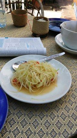 Joys Restaurant : papaya salad