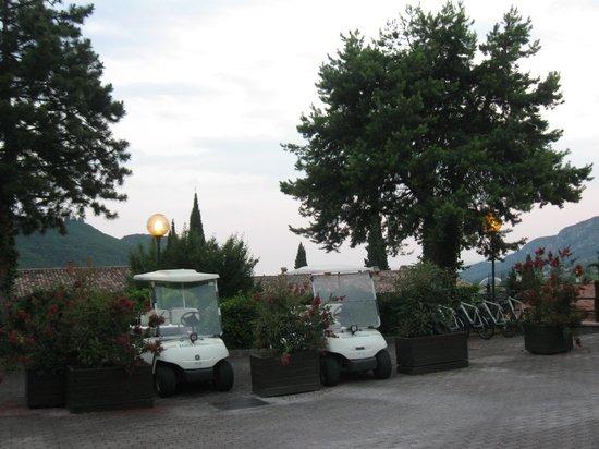 Poiano Resort Hotel: Navetta gratuita,biciclette,shuttle service per i cllienti Poiano