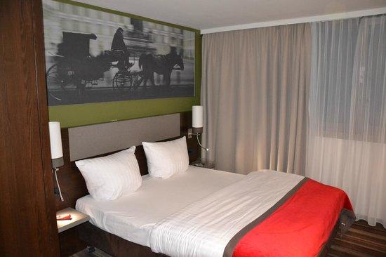Leonardo Hotel Vienna: CAMERA STANDARD