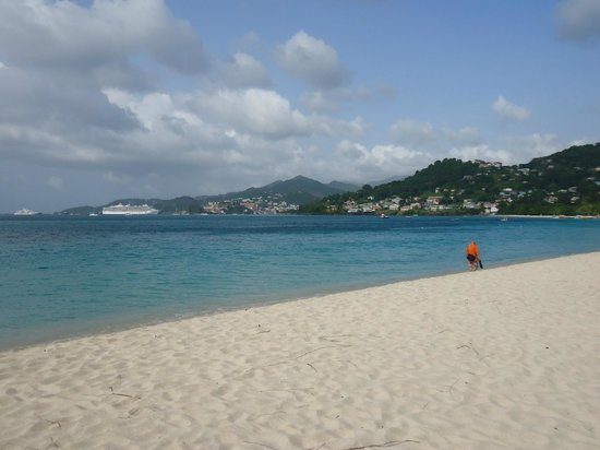 Radisson Grenada Beach Resort: St. George port of call view from Grenada Grand