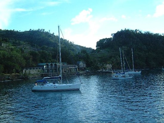 Basil's Bar - Mustique: Yachts at anchor.