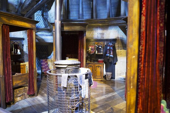 Studio Tour London   The Making Of Harry Potter: Gryffindor Boys Dorm Part 35