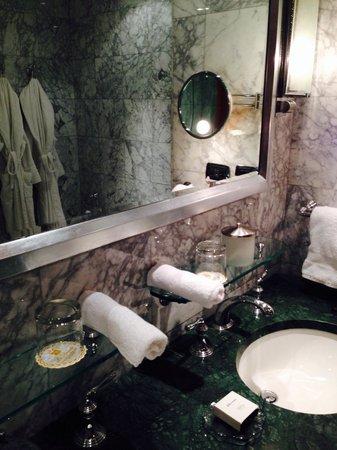 Le Royale Sharm El Sheikh, a Sonesta Collection Luxury Resort : Gorgeous bathroom