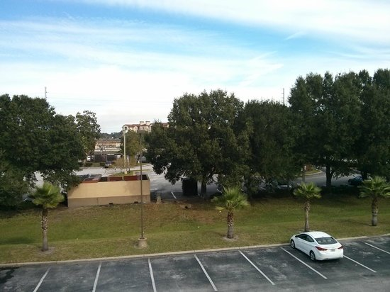 Destiny Palms Hotel Maingate West : Vista da janela. (McDonald's)