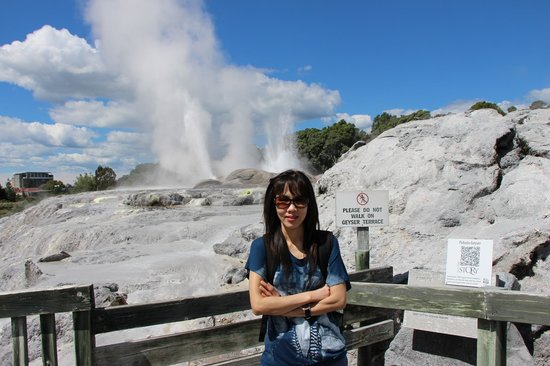 Te Puia : Fortunately my wife did not enter the geyser terrace :-)