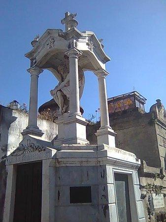 Recoleta: Escultura de túmulo
