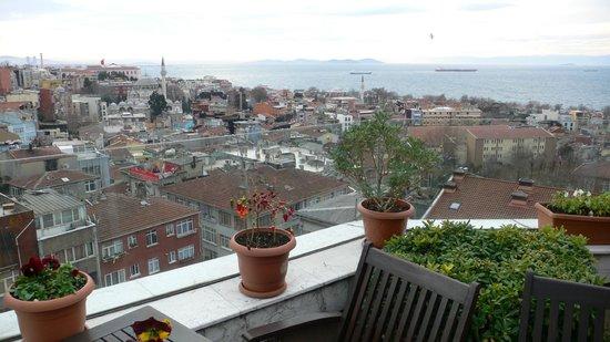 Aziyade Hotel: Вид с террасы