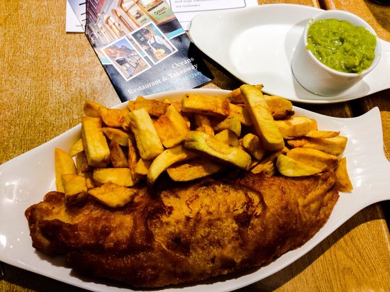 Oceans Fish and Chip Restaurant: And this is the small portion!