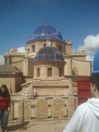 Elche, España: Vista de Santa Maria desde la Calahorra.