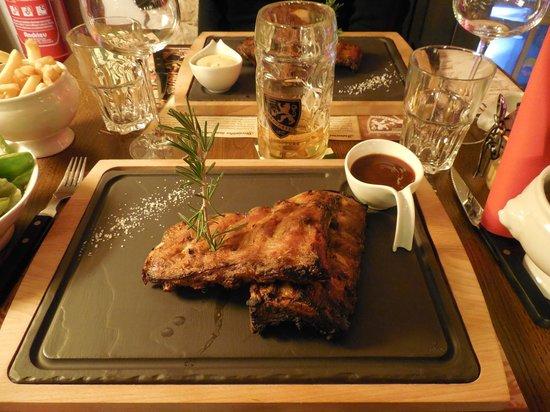 Brauerei - Big Beer Company : Travers de porc, sauce barbecue ;-)