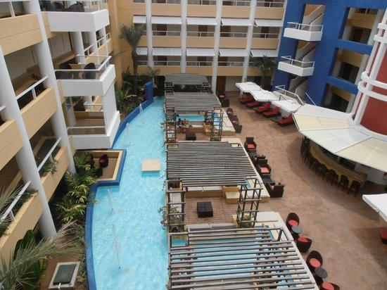 Hesperia Playa El Agua: Vista de área de estar Club Edén