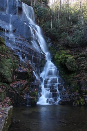 Miller's Land of Waterfall Tours: Beautiful waterfall off beaten path.
