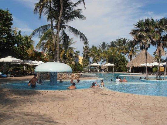 Hesperia Playa El Agua: Piscina Club Edén (antes de privatizarla)