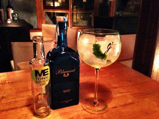 DeVins: gin tonic con lima kaffir