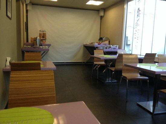 Suite Hotel Merlot: Breakfast area